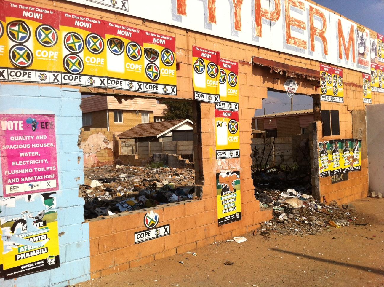 An abandoned shop in Bekkersdal